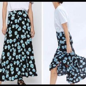NWT Zara Floral Black Blue Print Midi Skirt